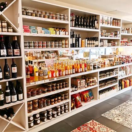 Photo de Epicerie Mangi, membre de Bout à Bout, réseau de réemploi des bouteilles en verre en Pays de la Loire